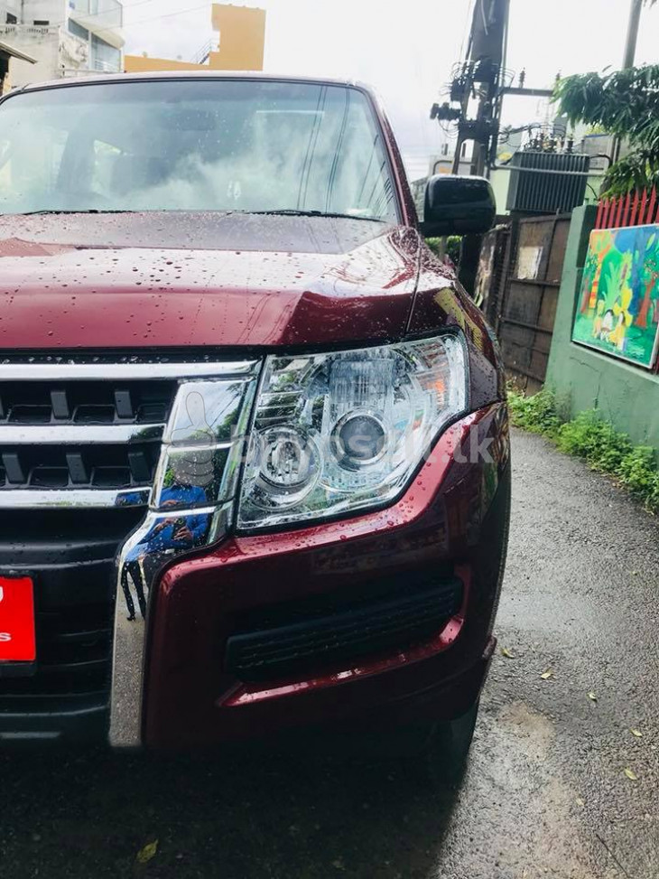 Mitsubishi Montero GLX 2017 for sale in Colombo
