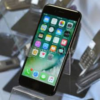 Apple iPhone 7 32GB - Black (Used) for sale in Colombo