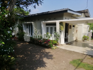Highly Residential 22 Perch Land & House for Sale for sale in Colombo
